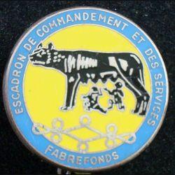 8° RH : insigne métallique de l'escadron de commandement et des services du 8° régiment de Hussards de fabrication Fraisse