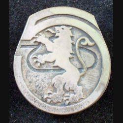 5° RCA : insigne métallique du 5° régiment de chasseurs d'Afrique de fabrication Drago Paris en relief et en gravé (L6)