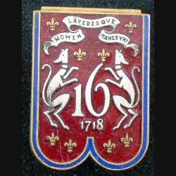 16° RD : insigne métallique du 16° régiment de dragons en émail