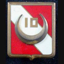 10° GESA : insigne métallique du 10° groupe d'escadrons de spahis algériens de fabrication Drago Paris en émail