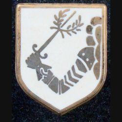 ECU de Gendarmerie : insigne métallique de l'écu de la direction de la gendarmerie nationale sans nom de fabricant (L 73)