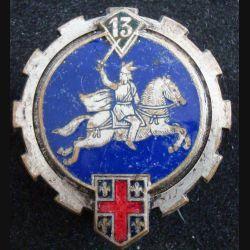 13° ET : Insigne métallique du 13° escadron du train en émail de fabrication Drago Béranger (L123)