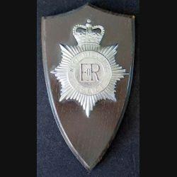 Plaque avec insigne de la Police anglaise du West Midlands sur écu de bois (C168)