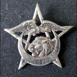 29° RTA : Insigne métallique du 29° régiment de tirailleurs algériens Drago Béranger en métal (L 12)