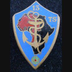 13° TS : Insigne métallique du 13° Tirailleurs Sénégalais DRAGO BERANGER Déposé plat en émail (L174)