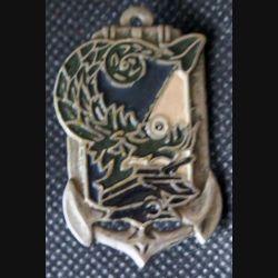 ABCEO : insigne métallique du commandement de l'arme blindée en extrême orient de fabrication locale métal épais peint (L194)