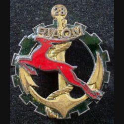 28° RIAOM : Insigne métallique du 28° Régiment Inter Armes d'Outre Mer Drago G. 906 émail (L185)