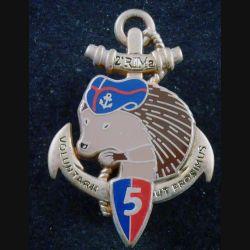 2° RIMA : Insigne métallique de la 5° Cie du 2° Régiment d'Infanterie de Marine Arthus Bertrand numéroté 044 (L 201)