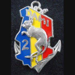 2° RIMA : Insigne métallique du DAMI TCHAD du 2° Régiment d'Infanterie de Marine Fraisse fond argenté (L201)