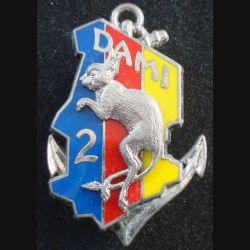 2° RIMA : Insigne métallique du DAMI TCHAD du 2° Régiment d'Infanterie de Marine Fraisse bleu rouge jaune (L201)