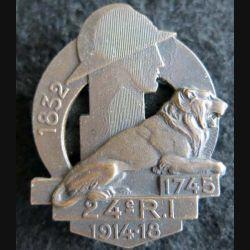 24° RI : insigne métallique du 24° régiment d''infanterie de fabrication Arthus Bertrand Paris déposé