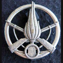 INFANTERIE : Insigne béret régiment d'infanterie 5,6 cm argenté
