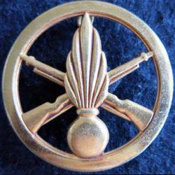 INFANTERIE : Insigne béret infanterie de fabrication Coinderoux 4,4 cm