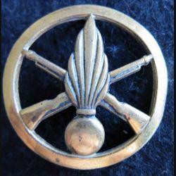 INFANTERIE : Insigne béret infanterie de fabrication L. Bichet 4,4 cm