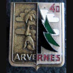 GCJF 40 : insigne métallique du groupement des chantiers de la jeunesse N° 40 Arvernes Drago Béranger émail