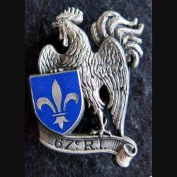 67° RI : insigne métallique du 67° régiment d'infanterie de fabrication Delsart Sens H. 551