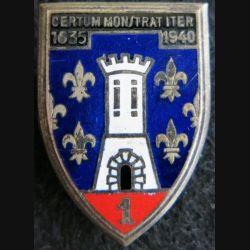 1° RC : insigne métallique du 1° régiment de cuirassiers de fabrication Drago Paris en émail