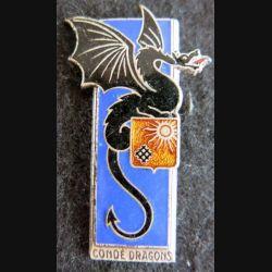2° RD : insigne métallique du 2° régiment de dragons de fabrication Drago Paris H. 171 en émail