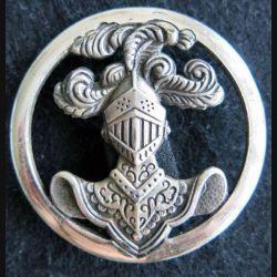ABC : insigne de béret de l'arme blindée cavalerie dos lisse embouti et argenté