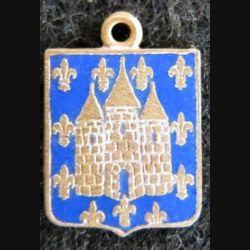 BLASON MELUN : insigne métallique ancien blason en émail de la ville de Melun 11 x 16 mm avec petit anneau