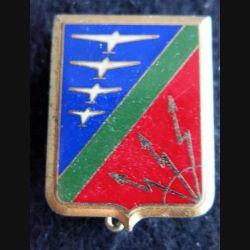 BA 914 : insigne métallique de la base aérienne 914 de Romilly de fabrication Delsart  Sens A. 0744