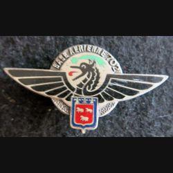 BA 702 : insigne métallique de la base aérienne 702 d'Avord de fabrication Drago Paris en émail dos guilloché argenté