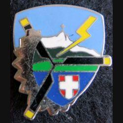 BE 725 : insigne métallique de la base école 725 de Chambéry de fabrication Delsart A. 787