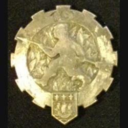 19° ET :  insigne métallique du 19° escadron du train de fabrication Drago Paris Béranger tout métal avec boléro mais épingle coupée