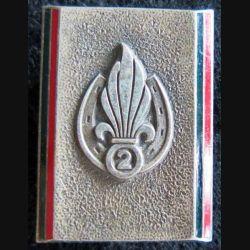 2° REI : insigne métallique du 2° régiment étranger d'infanterie Drago G. 2333 émail