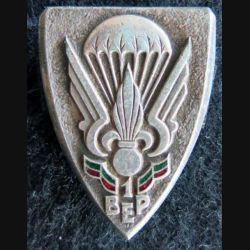 1° BEP : insigne métallique du 1° bataillon étranger parachutiste de fabrication Drago Olivier Métra émail