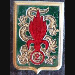 2° REI : Insigne métallique du 2° régiment étranger d'infanterie Extrême Orient Drago O. Métra déposé émail