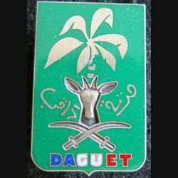 2° REI : Insigne métallique du 2° régiment étranger d'infanterie Division DAGUET de fabrication Balme Saumur en argent N° 817