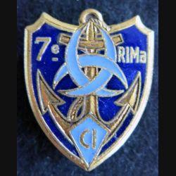 7° RIMA CI : Insigne métallique du 7° Régiment d'Infanterie de Marine CI de fabrication Drago Paris G. 2086 émail