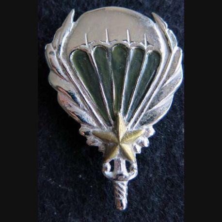 GCMA : insigne du groupement de commandos mixtes aéroportés de fabrication locale peint