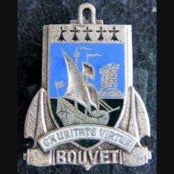 LE BOUVET : insigne métallique de l'escorteur d'escadre Le Bouvet fabrication non marquée en émail