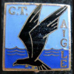 AIGLE : insigne métallique du contre torpilleur Aigle fabrication Arthus Bertrand Paris Déposé en émail