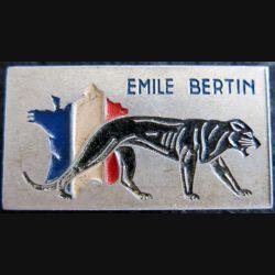 EMILE BERTIN : insigne métallique du croiseur Emile Bertin de fabrication Augis Lyon peint