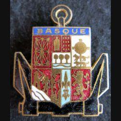 BASQUE : insigne métallique du torpilleur Basque fabrication Augis Lyon en émail