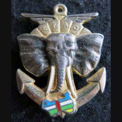 EFAO : insigne métallique des éléments français d'assistance opérationnelle (EFAO) en Centrafrique de fabrication Ballard