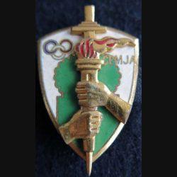 CEMJA : insigne métallique du centre d'entrainement de moniteurs jeunesse des armées de fabrication Arthus Bertrand en émail
