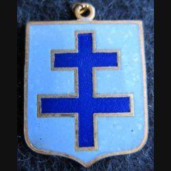 BLASON CROIX DE LORRAINE  : insigne métallique ancien blason en émail croix de Lorraine 23 x 30 mm anneau suspension