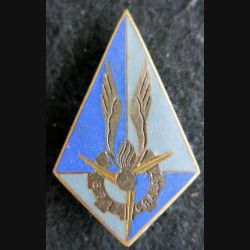 671° CRALAT : insigne de la 671° compagnie de réparation de l'aviation légère de l'armée de terre Drago G. 1720 émail