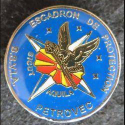 BSVIA EDP : insigne métallique de l'escadron de protection de Petrovec (Macédoine) fabrication locale