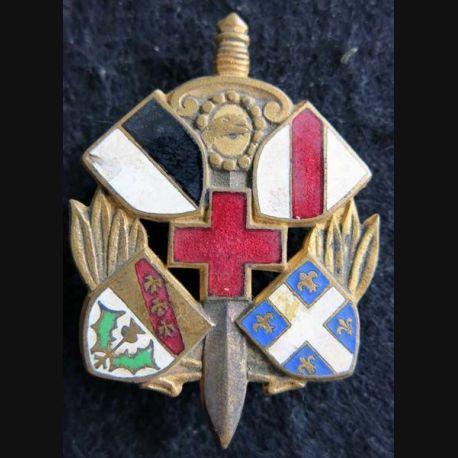 6° SIM : insigne métallique de la 6° section d'infirmiers militaires de fabrication Drago Paris en émail