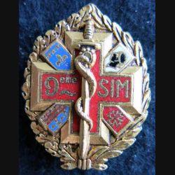 9° SIM : insigne métallique de la 9° section d'infirmiers militaires de fabrication Drago H. 561 émail