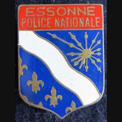 POLICE : insigne métallique de la police nationale de l'Essonne de fabrication Drago émail