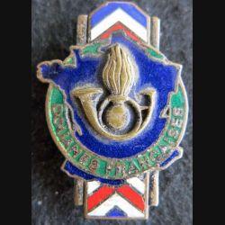 DOUANES FRANÇAISES : insigne métallique du service des douanes françaises de fabrication Drago Romainville en émail