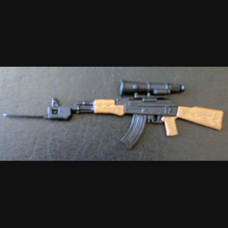 AK 47 KALASHNIKOV en réduction de 15 cm de longueur avec lunette de visée et baïonnette