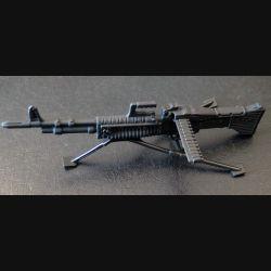 Mitrailleuse M 60 en réduction de 17,5 cm de longueur avec deux trépieds