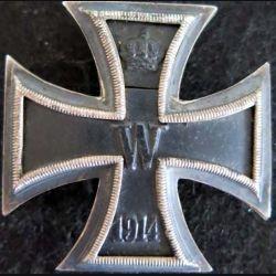 ALLEMAGNE  : croix de fer allemande de 1° classe de 1914  avec épingle soudée